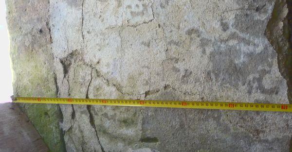 De muren zijn 70 cm dik, maar bieden nauwelijks isolatie.